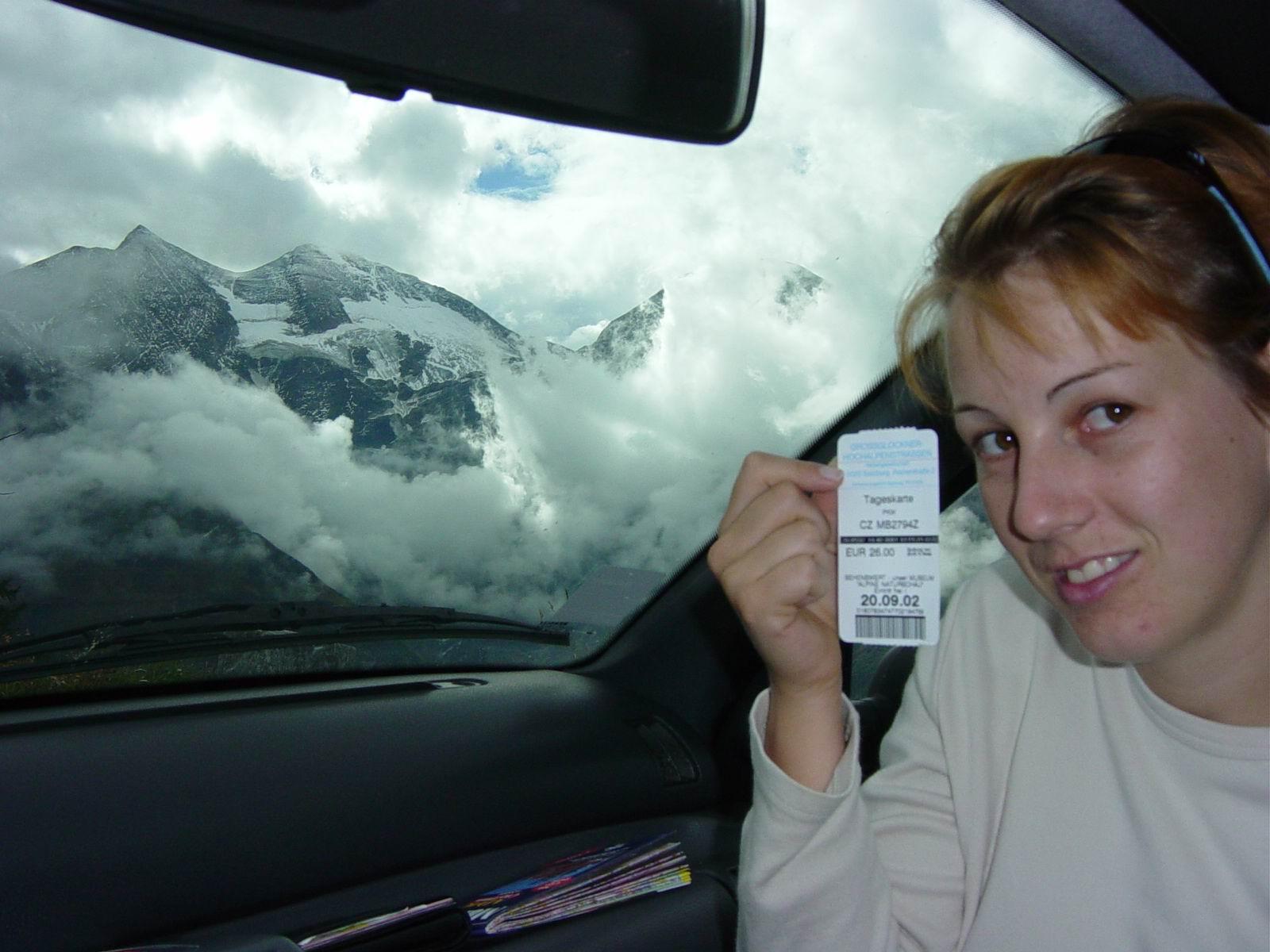 intermot2002gg1.jpg